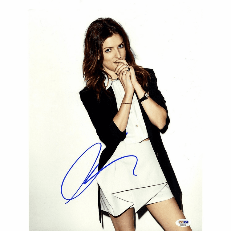 Anna Kendrick Signed 11x14 Vertical Black & White Dress Photo PSA/DNA