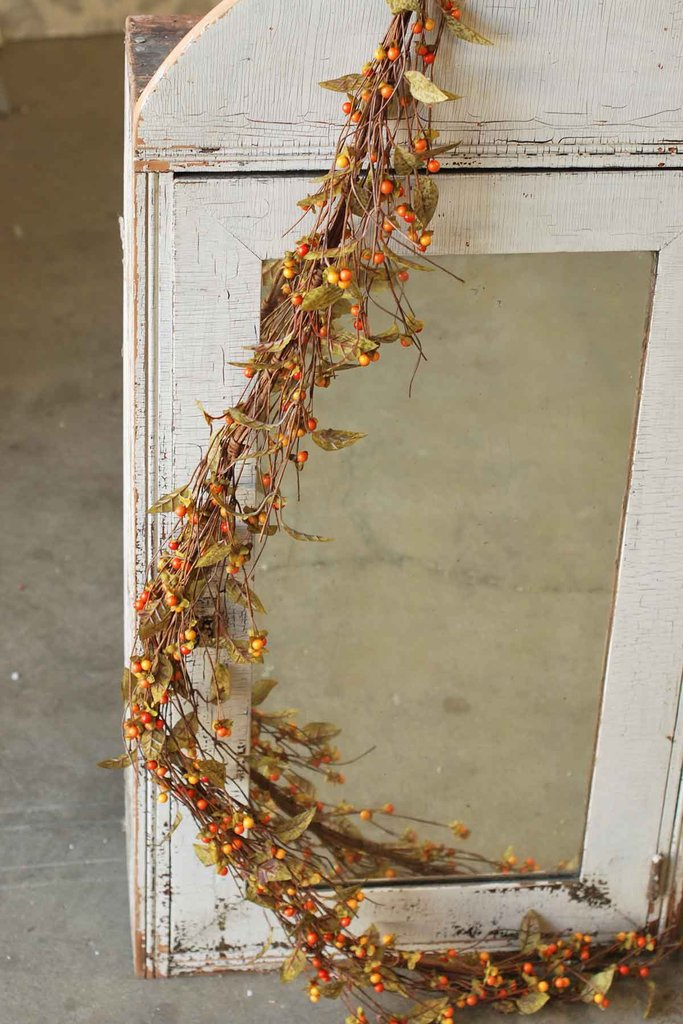 Bittersweet Garland - With Green Leaves - 5 Foot
