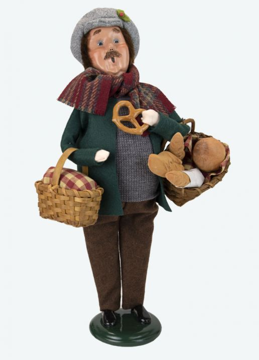 Byers Choice Caroler - Man With Bread 2021