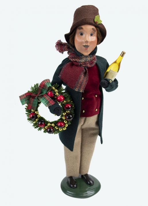 Byers Choice Caroler - Owens Family Man 2020