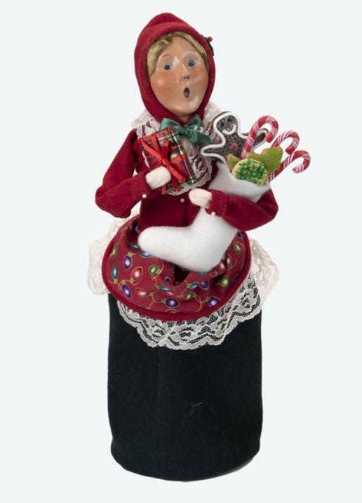 Byers Choice Caroler - Stockings Family Woman 2021