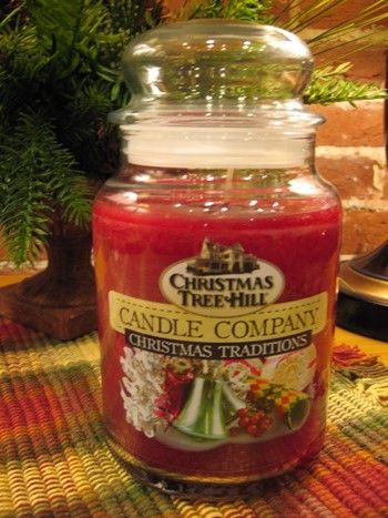 Christmas Tree Hill Candle - Christmas Traditions - 22oz