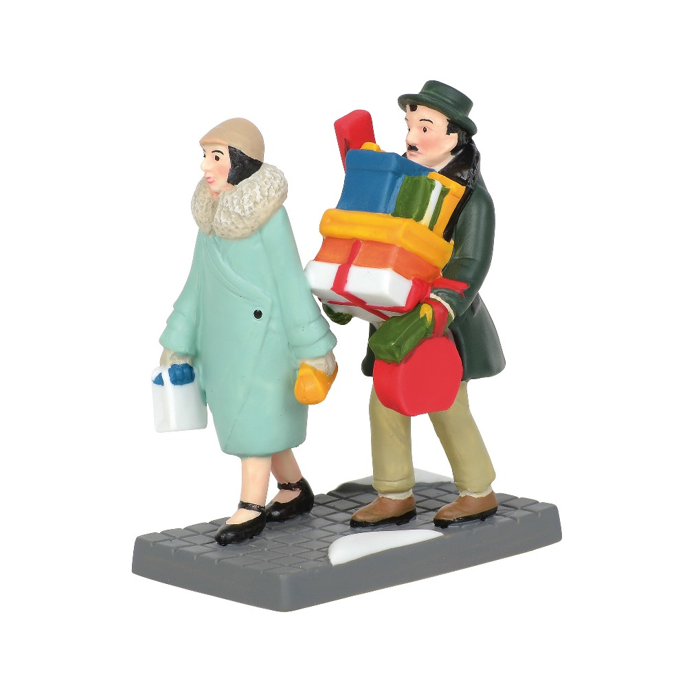 Department 56 Christmas in the City Accessory - Spending Time Together 2019
