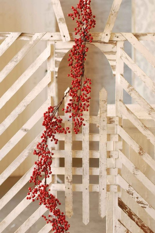 Red Berry Garland - Waterproof Berries - 5 Foot
