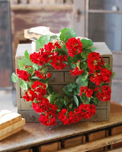 Red Geranium Wreath - 22 Inch