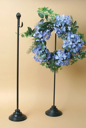 Wreath Stands � Fixed or Adjustable Height Stands