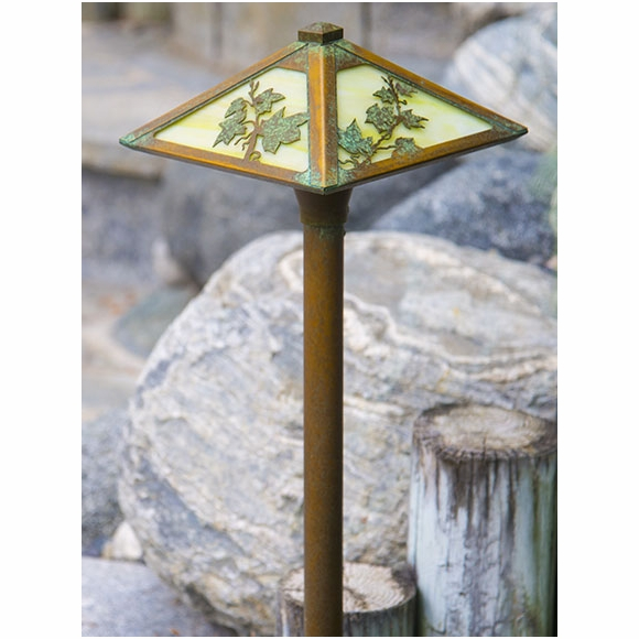 Garden Pathway Lighting - Landscape Lights
