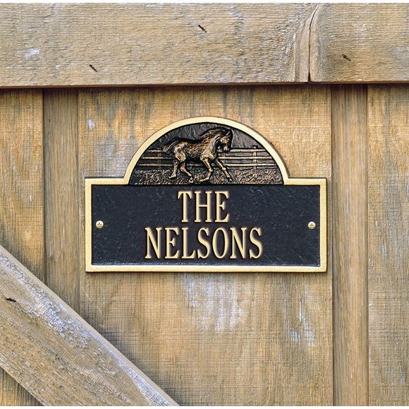 Stall Plate - Personalized Stall Marker, Name Sign, or Room Sign With Horse Image