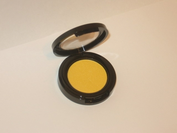 Queen Bee Bold Effects Bright Yellow Eyeshadow