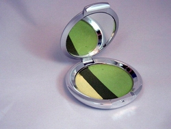 Triple Split Eyeshadow in Jungle (greens)