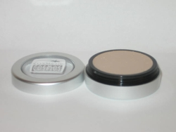 Under Eye Lightener, Concealer / Lid Primer