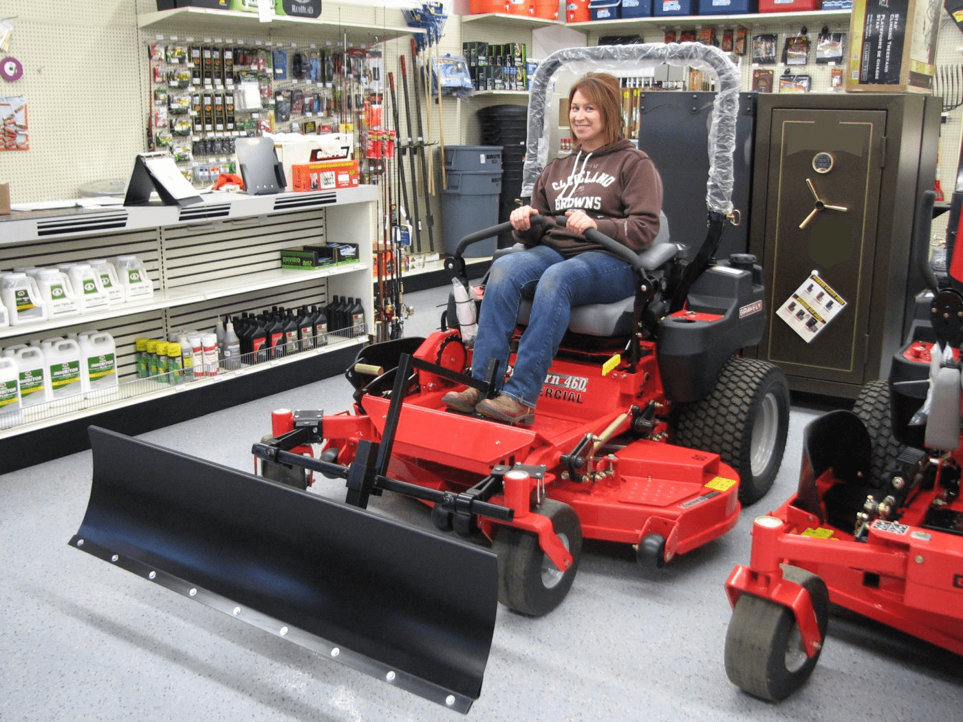 Zero Turn Mower 5 ft. Snow Plow with Universal Mounting Bar System
