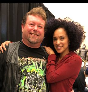 Chilling with Karyn Parsons (Hilary Banks Fresh Prince of Bel-Air) ~ She Loves our Prime Rib Jerky