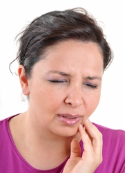 How To Cope WIth Mouth Sores From Braces