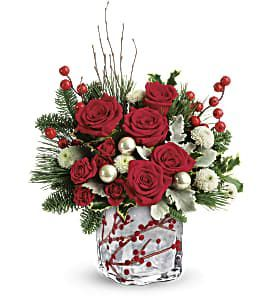 Winterberry Kisses Bouquet DX
