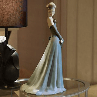Figurines & Collectibles