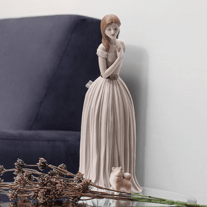Lladro Porcelain Figurines & Home Decor