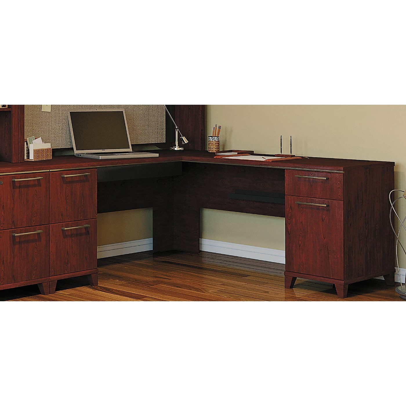 <b><font color=#c60>BUSH BUSINESS FURNITURE ENTERPRISE HARVEST CHERRY 72W X 72D L SHAPED DESK</b></font>