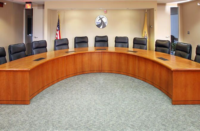 <b>COUNCIL CHAMBER FURNITURE FOR CITY HALLS, LAW FIRMS, UNIVERSITIES, AND HIGH SCHOOLS.</b>