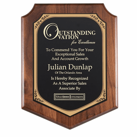 Walnut  Plaque With Black Brass Engraving Plate - PC582