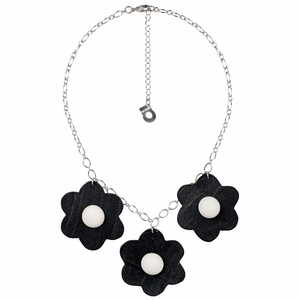 aarikka Rentukka Black / Ivory Necklace