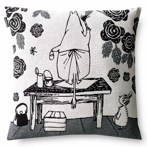 Finlayson Moominmamma's Rose Garden Throw Pillow