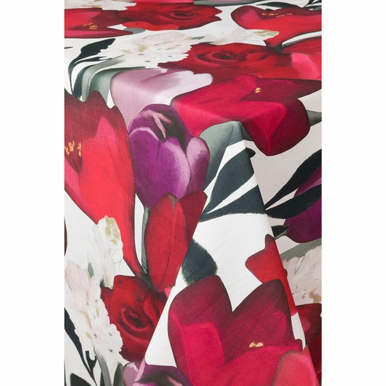 Pentik Sylvia Red Satin Tablecloth