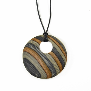 Visapaja Thin Stripes Wooden Necklace