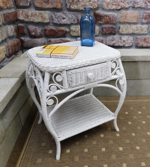 Ornate Wicker End Table (UPS $45)