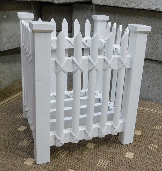 Small Picket Fence Planter (UPS $15)