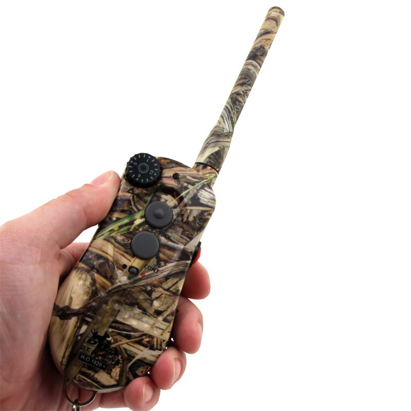 H2O 1820 PLUS Camo Transmitter in Hand