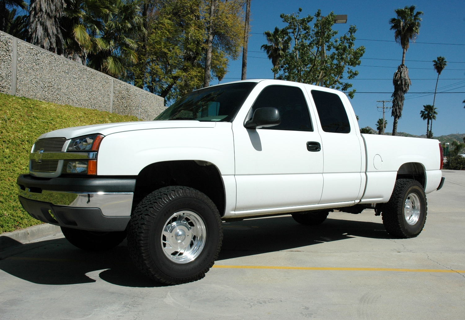2006 gmc sierra z71 lifted