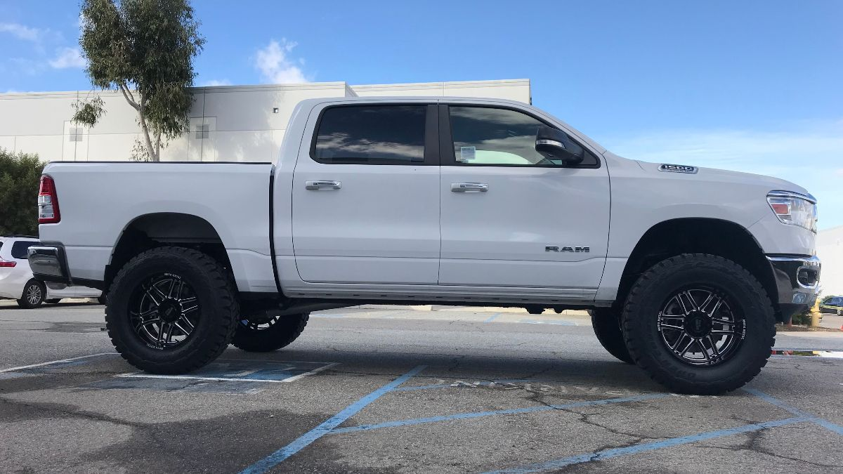 4 Inch Lift Kit For Dodge Ram 1500 4wd >> 2019 Dodge Ram 1500 4wd Lift Kit By Cst 6 5 Front 4 Rear Lift