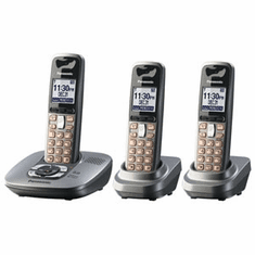 Panasonic KX-TG6433M DECT 6.0 Expandable Cordless Phone with Answering System and 3 Handsets
