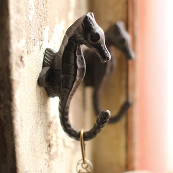 Cast Iron Sea Horse Hook (Set)