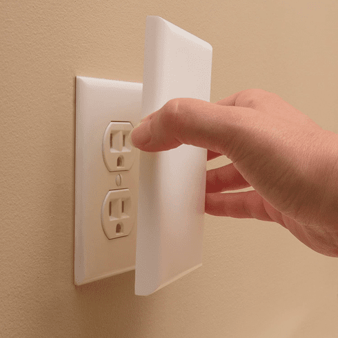 Pack of 2 Safety 1st OutSmart Outlet Shield Fully Covers Outlets