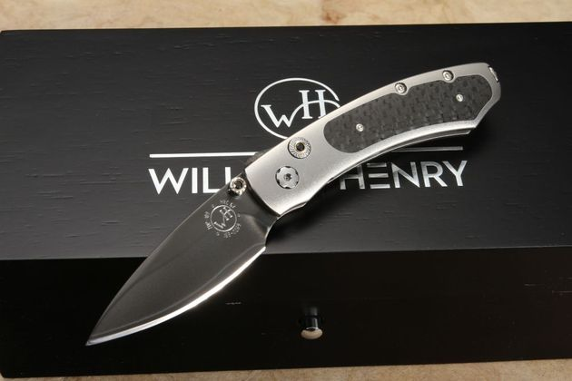 William Henry B09 Knight - Carbon Fiber Folding Knife