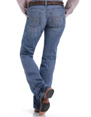 Cinch Women's Ada Mid Rise Relaxed Fit Boot Cut Jeans - Light Stonewash