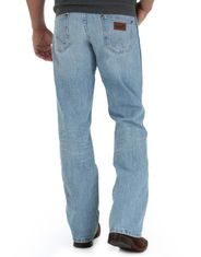 Wrangler Men's Retro Mid Rise Relaxed Fit Boot Cut Jeans - Crest