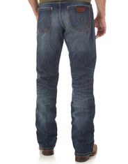 Wrangler Men's Retro Relaxed Boot Mid Rise Relaxed Fit Boot Cut Jeans - Jackson Hole
