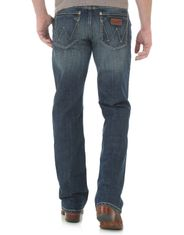 Wrangler Men's Retro Slim Boot Low Rise Slim Fit Boot Cut Jeans - Layton