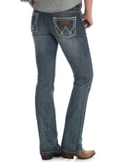 Wrangler Women's Retro Sadie Stretch Low Rise Slim Fit Boot Cut Jean - DW Wash