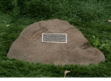 Cast Stone Pet Memorial Rock with Bronze Plaque and Cremation Urn - Design 12