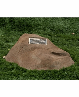 Cast Stone Pet Memorial Rock with Bronze Plaque and Cremation Urn - Design 8