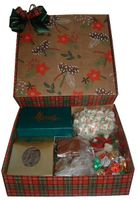 Christmas Gift Box - 63 oz.