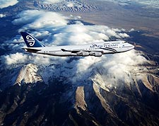 Air New Zealand Boeing 747-400 in Flight Photo Print for Sale