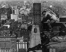Construction Workers on Met Life Tower 1908 Photo Print for Sale