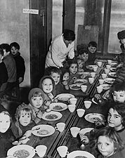 East End London Evacuee Children WWII 1941 Photo Print for Sale