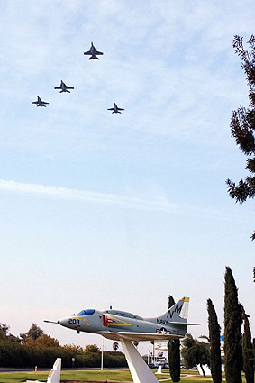 F/A-18 / F-18 Hornet Missing Man Formation Photo Print