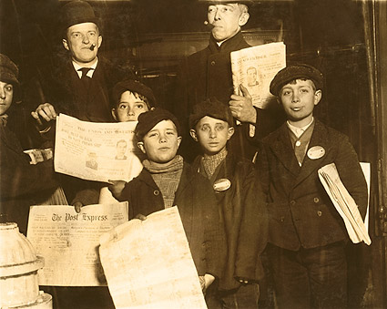 Italian Newsies New York 1910 Lewis Hine Photo Print